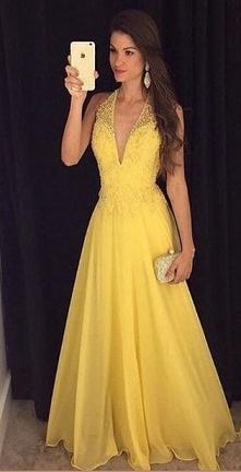 Żółta sukienka na studniówk...