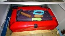 własnoręcznie zrobiony tort urodzinowy