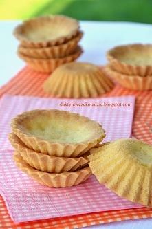 spód do babeczek Ciasto: 150 g mąki 50 g cukru 100 g masła 1 żółtko Z podanyc...