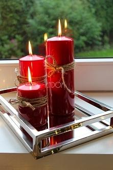 świece na tacy srebrzysto-lustrzanej od tendom