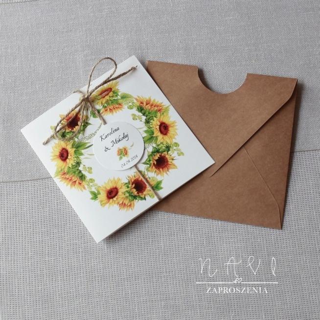 zaproszenia słoneczniki, weselny wianek w zaproszeniu ślubnym z kopertą z papieru eco