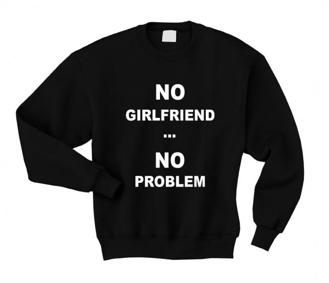 Bluza męska z nadrukiem NO GIRLFRIEND NO PROBLEM - wygodna i modna bluza dla NIEGO ze śmiesznymi napisami. Bluza dla chłopaka z kompletu BLUZY DLA PAR ZAKOCHANYH / BLUZY DLA DWOJGA. Bluza walentynkowa - świetny pomysł na prezent dla chłopaka nie tylko na walentynki ale też na rocznicę, święta czy urodziny. Bluza z nadrukiem dla Niego - do kompletu bluza damska dla Niej z napisami NO BOYFRIEND NO PROBLEM   Fajna bluza z nadrukiem - krój klasyczny, bawełniana dresowa bluza bez kaptura ze ściągaczami wkładana przez głowę. Zabawna bluza męska - 11 kolorów do wyboru, duże i małe rozmiary, nadruki trwałe.