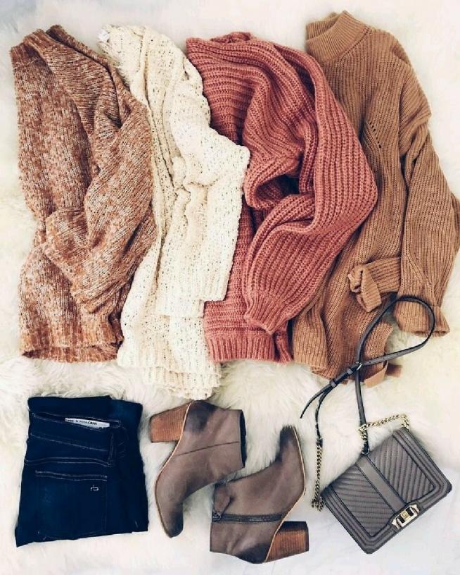 Cudowny zestaw. Jak ja kocham swetry! A wy? Też je kochacie? Zapraszam do obserwowania profilu. Odwdzięczam się tym samym!
