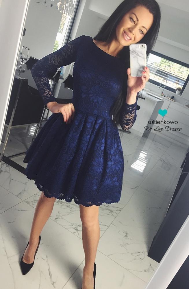 066d0d683e89af sukienkowo.com DIANA - Rozkloszowana koronkowa sukienka granatowa na ...