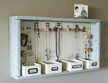 Spodobał mi się ten pomysł na przechowywanie biżuterii, a wam ?