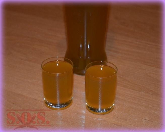 Nalewka lecznicza z imbiru cytryny i miodu - wspaniały sposób na katar lub przeziębienie;)