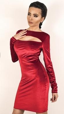 Welurkowa sukienka z pęknię...