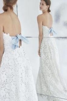 Suknia ślubna z niebieską k...