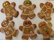 Pierniczki świąteczne  50 dag mąki pszennej tortowej 12,5 dag masła lub marga...