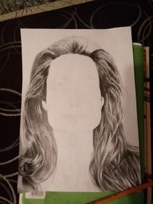Na razie włosy.  Angelina Jolie.