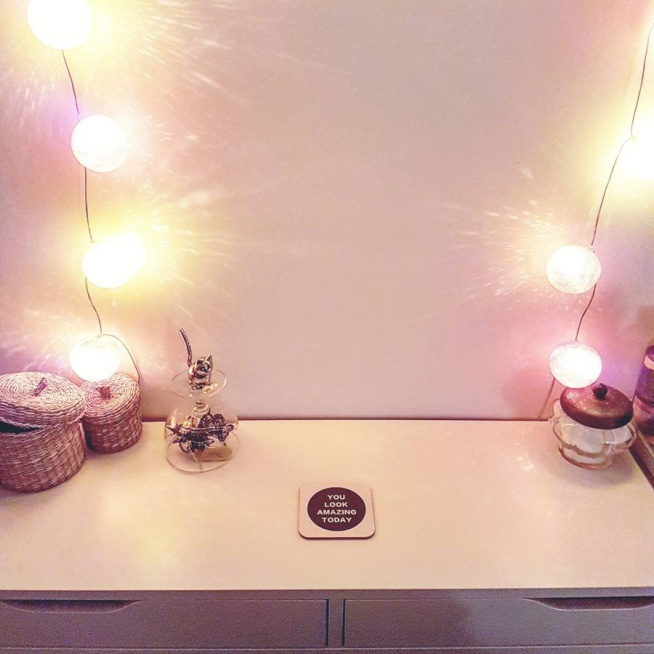 toaletka i cottonballs