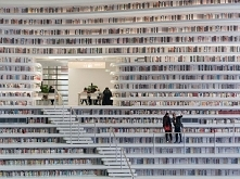 Ile książków *.* To jest bi...