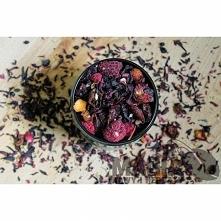 Herbata owocowa Red Berry Skład: hibiskus (40%) skórka róży, czarny bez, żurawina, owoc głógu, owoc maliny liofilizowany, lisć lipy, owoc truskawki liofilizowany (owoce 60%)