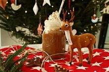 Świąteczny koktajl pierniczkowy (1 duży słoik/szklanka lub dwa kieliszki) Składniki: 350 ml mleka (użyłam migdałowego, ma bardziej aksamitną konsystencję) 3-5 pierniczków najlep...