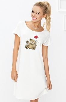 Dkaren Flora 100 koszulka Urocza koszulka nocna, wykonana z jednolitej wiskozowej dzianiny, prosty fason świetnie układa się na sylwetce
