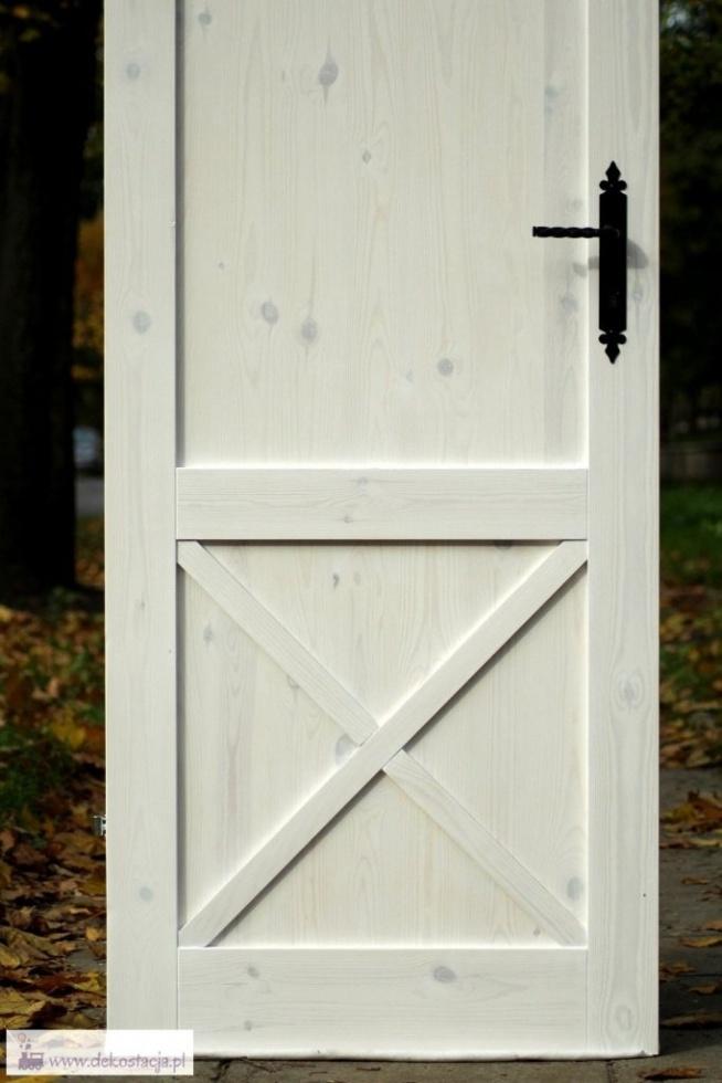 Metamorfoza drzwi na styl rustykalny! DIY w domu. Zapraszam.