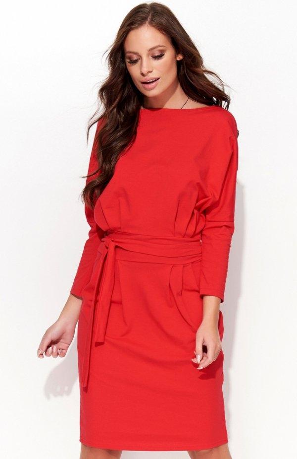Folly F26 sukienka czerwona Piękna sukienka, wykonana z miękkiego materiału, w talii wiązanie
