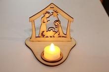 Świecznik bożonarodzeniowy z lampką Led do kupienia na naszym Facebooku PracowniaArtystycznaAnnart. Zamówienia można również składać pisząc na maila biuro@annart-atelier.pl.