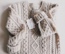Cudny sweterek.