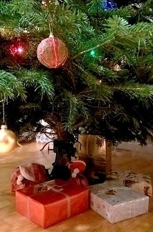 a już niedługo... piękny zapach w domu prawdziwej choinki i radość z obdarowywania innych ♥