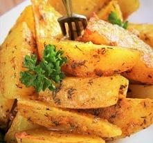 Pieczone ziemniaki curry z czosnkiem