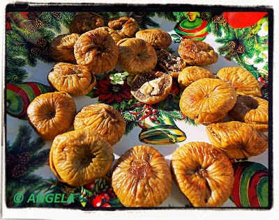 Suszone figi nadziewane (przepis kalabryjski) - Calabrian Stuffed Figs Recipe - Fichi secchi ripieni (calabresi)