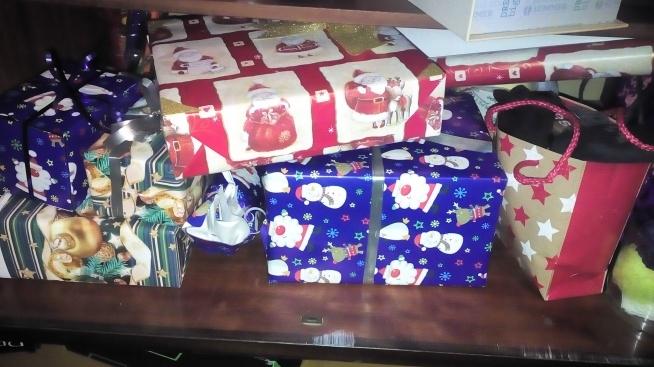Tak wyglądały prezenty z tamtego roku , które sama pakowałam.