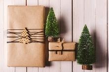 Skoro święta to i prezenty przepięknie zapakowane, aż szkoda otwierać.