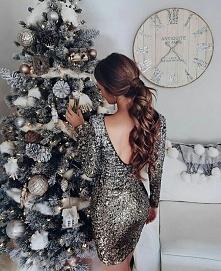 Rzadko zdarza mi się założyć elegancką sukienkę zwłaszcza w mojej pracy. Zbliżające się święta inspirują mnie do tworzenia stylizacji których na codzień nie mam okazji założyć :...