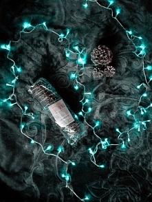 Święta bez makowca to nie święta :D Tutaj na zdjęciu makowiec w polewie czekoladowej z dodatkiem orzeszków :)