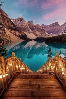 Malownicze jezioro Moraine w Kanadzie <3