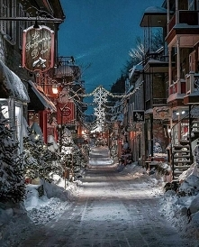 Quiet street!!! The atmosphere is cold and snowy(^__^)(^__^) But romantic( ^ω^) Who invites his sweetheart to dance here♥♥♥