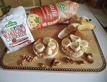 Deser w postaci wafli ryżowych z masłem orzechowym i bananem ! najlepsze połą...