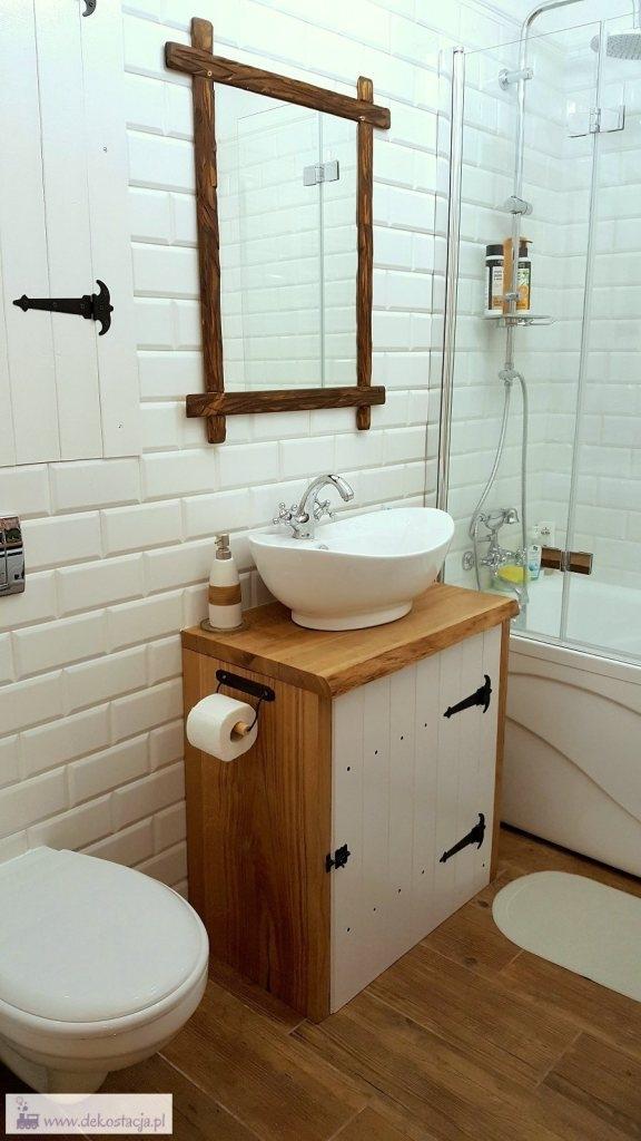 Łazienka w stylu rustykalnym, w drewni, robiona samodzielnie. Zapraszam po szczegóły na blog.