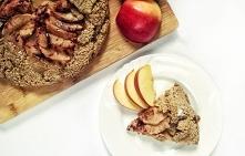 Owsiana tarta bez formy z jabłkami i cynamonem. Zdrowa, wegańska i pyszna!