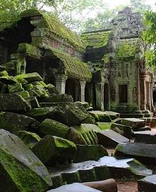 Ruiny świątyni Angkor w Kambodży.