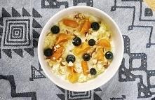 Proste i pyszne śniadanie na ciepło. Jaglanka z morelami i orzechami. Zdrowo, smacznie i wegańsko