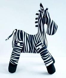 wesoła zebra  kuferek-malucha.art-madam.pl