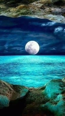 piękny widok  księżyca