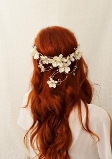 Płomienny kolor :) która z Was by się odważyła?  piękna ozdoba we włosach <3