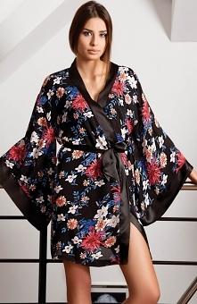 Unikat Sachiko szlafrok Przepiękny szlafrok damski, wykonany z pięknej kwiatowej satyny, oryginalne szerokie rękawy typu kimono
