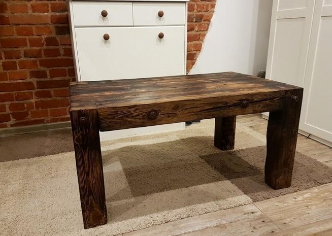 Stół drewniany z sosnowych 50-letnich belek. Szczotkowany/opalany/olejowany
