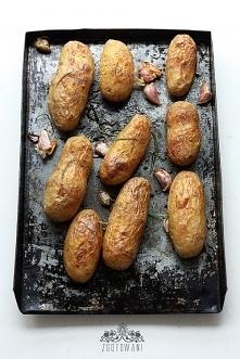 Pieczone ziemniaki z sosem ...
