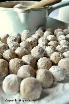 250g cukru pudru 6 dkg miękkiego masła 3 budynie czekoladowe - sypkie 3 łyżec...
