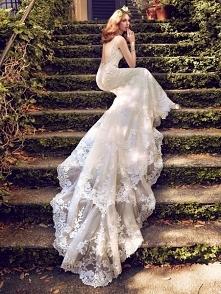Romantyczne suknie od Maggie Sottero... Magia! Więcej zdjęć z kolekcji na 201...