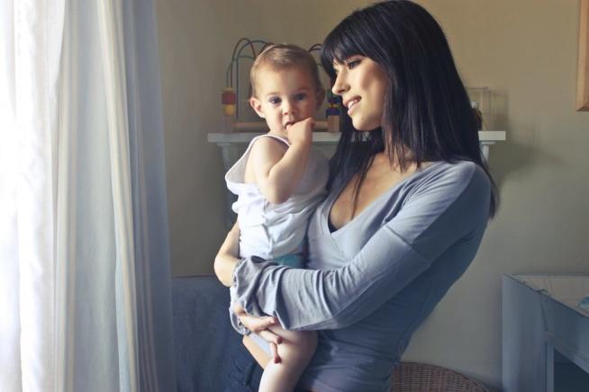 Jak przetrwać pierwsze dni gdy dziecko musi trafić pod opiekę niani? Kto bardziej przeżywa rozstanie mama czy dziecko? :)  Zapraszamy do czytania najnowszego artykułu :)