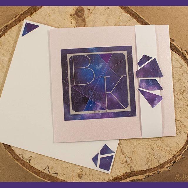 Zaproszenie otwierające moją serię ULTRA VIOLET Jak podoba Wam się ten gwiezdny kolor? #zaproszeniaslubne #zaproszenie #zaproszenieslubne #ultraviolet #love #wedding #invitation #invitations #wedding #invitationwedding #invitationcard #slub #rekodzielo #mywork #piątek