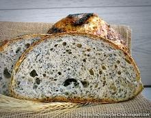 Chleb pszenny na zakwasie z makiem i chia