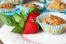 Bananowe muffiny bez cukru. Można zaszaleć i dodać białą czekoladę. Pycha. Super dla dzieci.