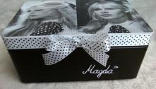 Skrzynka z Brigitte Bardot ...